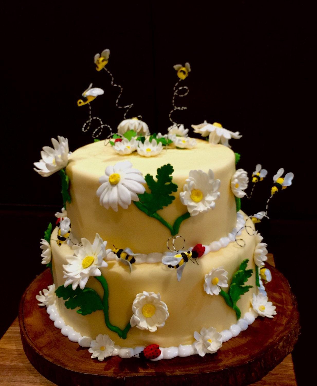 Cake Decorations Sugar Roses : Sugar flowers Gumpaste cake decorations daisy ladybug bee