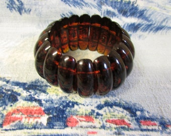Vintage chunky curved faux tortoiseshell wedge stretch bracelet