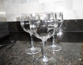 Set of 3 Crystal Stemmed Wine Glasses!