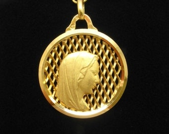 Amazing 18 Carat Gold Virgin Mary Lattice Pendant.