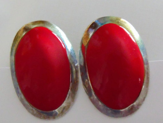 vintage gold tone and red oval earrings, 1980's retro clip on earrings,  retro costume jewellery