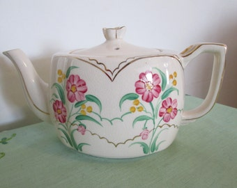 Handpainted Teapot by Ellgreave Pottery