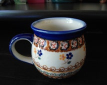 Polish Pottery Floral Coffee Mug, Cup Measures 4 x 4.5 inches or 12 ounes in Excellent, Like New Condition
