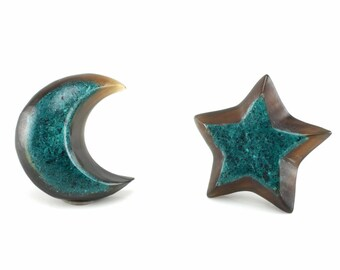 """Hand Carved- """"Moon and Star"""" - Horn with Turquoise Inlay Stud Earring - Freedom"""