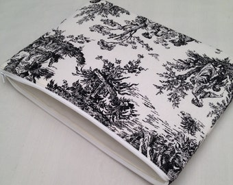 "SALE!!! Zipper Macbook air 11"" padded sleeve/ Macbook air 11"" case ./   Made in Maine / black and white toile"