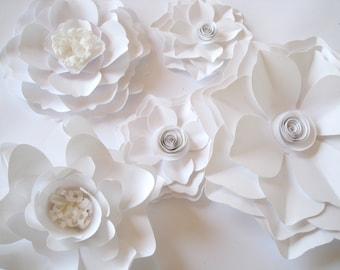Set of 5 White Paper Flowers, Big Paper Flowers, Medium Flowers, Floral Wall Decor, Wall Paper Flower, Paper Wedding Decor,Table Centerpiece