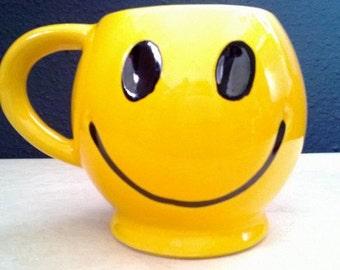 Vintage Happy Face Mug