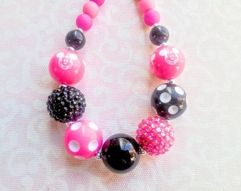 Mickey Mouse Necklace, Minnie Mouse Necklace, Disney, Chunky Bubblegum Bead Necklace, 20mm Beads, Pink and Black, Toddler/Girl, Photo prop