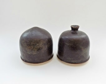 Stopperless Salt and Pepper Shakers - Stoneware Corkless Salt n' Pepper Shakers - Handmade Ceramic Shaker Set