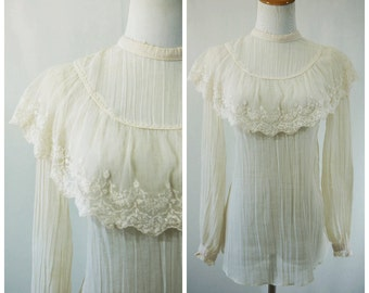 Victorian Hippie Boho Cream Blouse // Haight Ashbury San Fransisco Era Late 60's Early 70's // Small / Medium