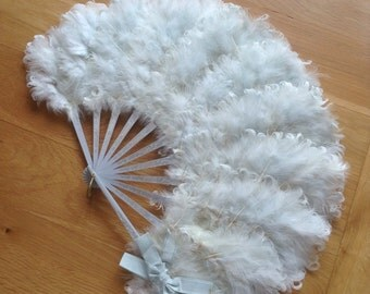 Vintage curly goose feather fan
