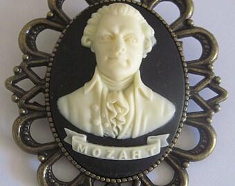 Retro vintage cameo brooch Mozart piano classical music bayreuth beethoven strauss bach vivaldi rossini chopin haendel concerto
