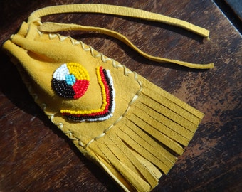 Medicine bag. Native American fringed Leather pouch. Deerskin. Beaded Medecine Wheel For sweetgrass Amulet Lucky . Fringed. American Indian