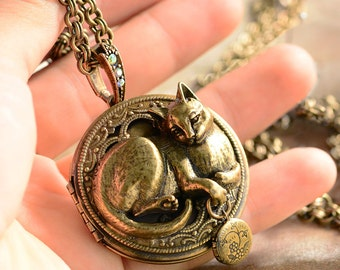 Cat Pendant, Cat Necklace, Cat Jewelry, Kitty Necklace, Cat, Locket Necklace, Cat Lover Gift, Animal Necklace, Animal Jewelry N909