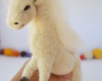 Needle felted Horse white, Christmas decoration, nativity, needle felting, handmade, felted sculpture, sheep wool