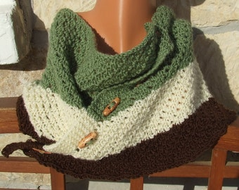 Knitted cowl - Button up cowl - Short scarflette - Knitted neck warmer -  Striped cowl -  Lace stitch short scarf in green brown and cream
