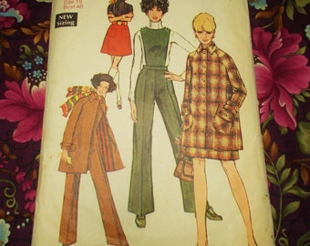 """Simplicity  Sewing Pattern - 1969 - Woman's Outfit - Size 18  Bust 40""""  - MPN 8403 - Part used"""
