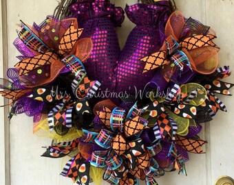 Halloween wreath deco mesh wreath witch wreath raz witch butt funky bow wreath grapevine wreath
