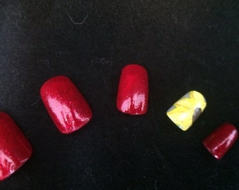 Red w/ Sunflower Accent False Nail Set
