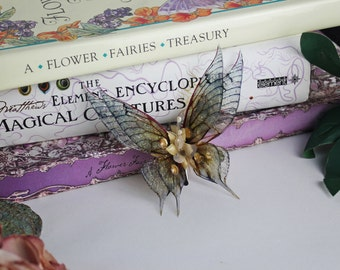 Pointed Golden Sprite - Fairy Wing Hair Clip
