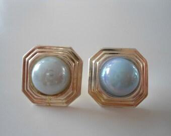 Stylish 80s silver vintage earrings.