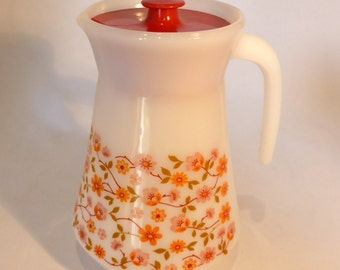 "Arcopal milk glass lidded jug in ""Scania"" design - original from the 1970s"