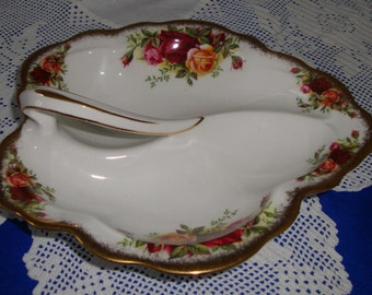 Superb Royal Albert Old Country Roses Leaf Dish Two Sectioned