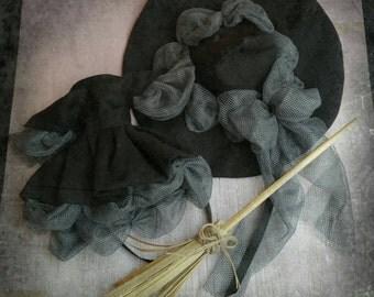 Costume witch with broom neo blythe . Halloween. Costume Blythe. Accessories Blythe. Blythe clothing . Halloween Costume