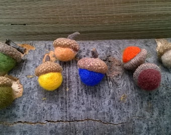 10 Felt Acorns, Rustic Decor, Winter Decor, Rustic Acorns, Wool Felt Balls, Woodland Rustic Decor, Colorful Acorns, Winter Decoration