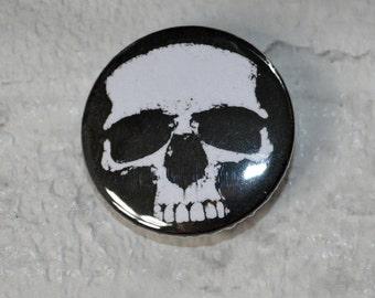 Skull button badge - punk badge- 25mm
