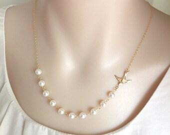 White Pearl Bird Necklace, Bridesmaid Necklace, Sideway Bird Necklace, Silver/ Gold Bird Necklace, Mother's Bride Necklace, Swarovski Pearl