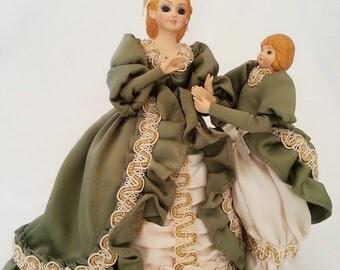 Dancing Waltz Dolls , Mechanical Toy, musical toy, vintage musical toy, waltzing dolls, Mother and Daughter, Doll, dancing dolls