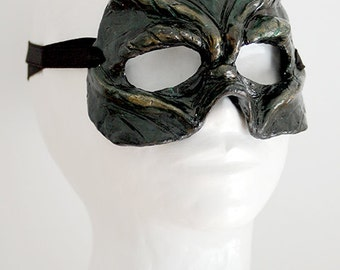 Alien reptile mask - SALE