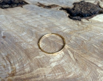 Skinny Hammered Band Gold