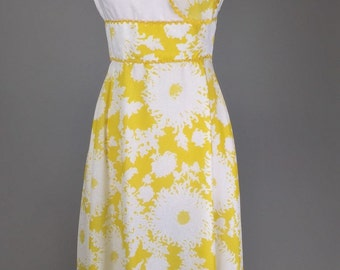 Sale! Vintage 70s, Yellow, Floral Maxi Dress // 1970s, Long Gown, Womens Size Small