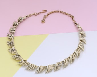 Vintage CORO Textured Gold Tone Wing Link Necklace/Choker (1950s)