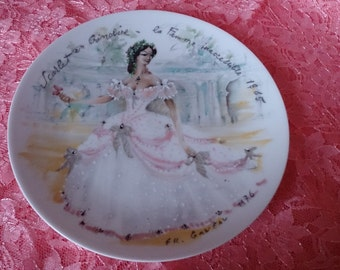 Limoges plate showing a young lady wearing a crinoline dress in 1865 - Scarlet la femme inaccessible