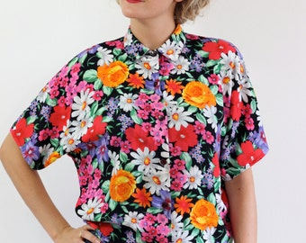 Vintage floral blouse. Size L