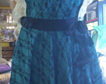 womens extra large lace apron