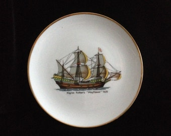 "Pilgrim Father's ""Mayflower"" 1620  --  Bavarian China Plate  --  Made in Western Germany  --  Hutschenreuther"