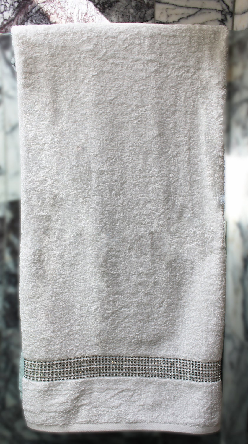 sparkling rhinestone bath towel stocked in usa. Black Bedroom Furniture Sets. Home Design Ideas