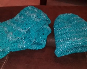 Girls crocheted hat and scarf