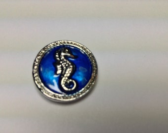 SEAHORSE LOVERS!!! SILVER blue 18mm metal Snap button. #746