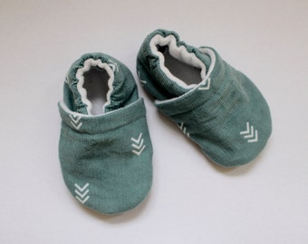 Turquoise/White Arrow Corduroy Baby Shoes, Toddler Shoes, Baby Booties, Boy, Girl, Gender Neutral, Soft Soled