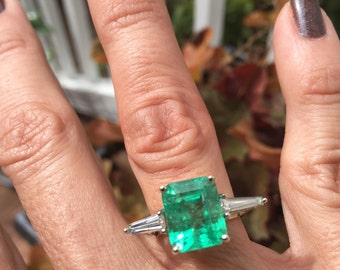 SOLD * 14kt White Gold Art Deco Emerald and Diamond Ring