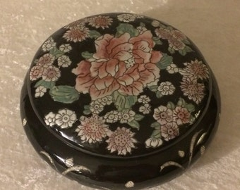 Hand painted black Chinese bowl with lid