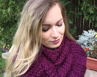 Chunky Knit Adult Drop Stitch Infinity Scarf {AVELINE)