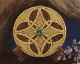 Celtic knot with green stone, celtic circle knot, burned celtic design, geometric wall art, celtic woodburning, geometric pyrography