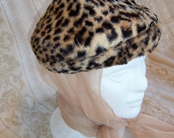 Vintage Womens Faux Fur Leopard Print Hat with Pointed Crown