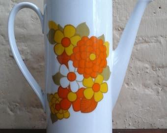 German porcelaine/1970/ coffee or tea pot /by Seltmann Weidew
